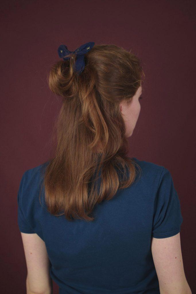 jak uszyć scrunchie - DIY z kokardą